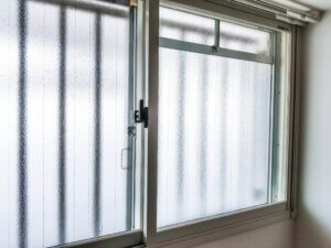 引違い窓 網戸 外し方